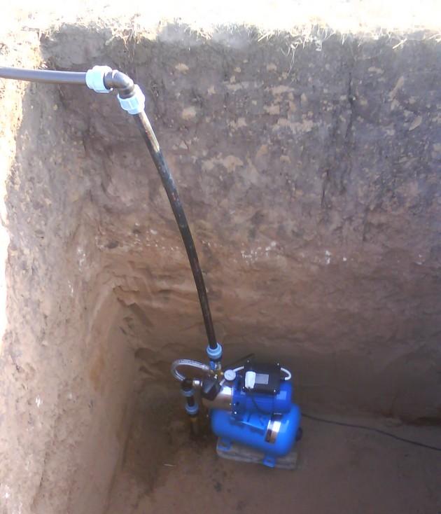 Как провести воду в частный дом своими руками из колодца