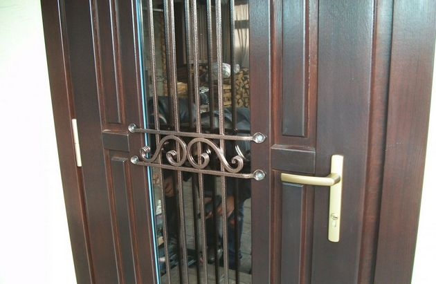 Металлическая дверь со стеклом своими руками