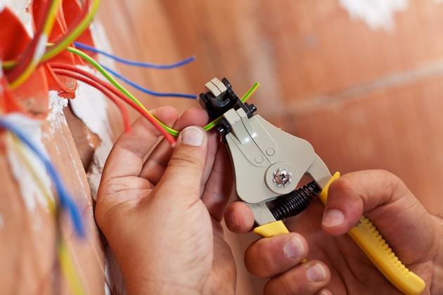 Электропроводка в квартире своими руками. Правильный ремонт, разводка, замена электропроводки